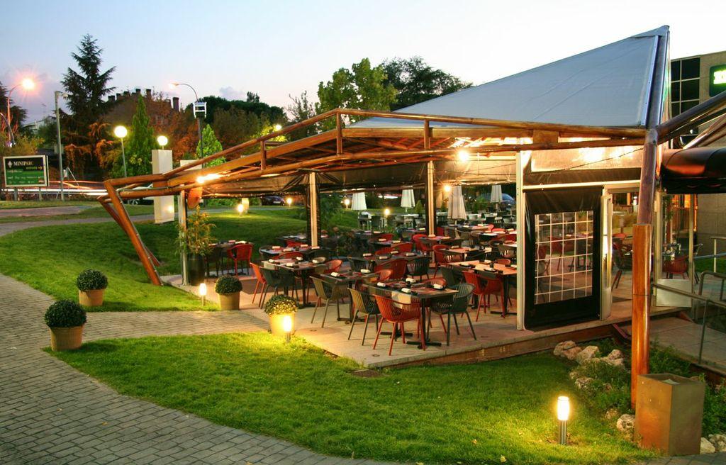 Inari moraleja restaurante japon s for Terrazas japonesas