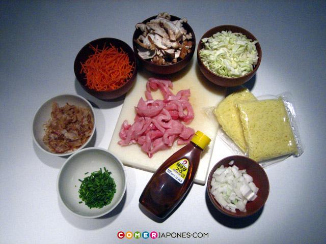 mm Quina pinta fan els Yakisoba! Yakisoba-ingredientes